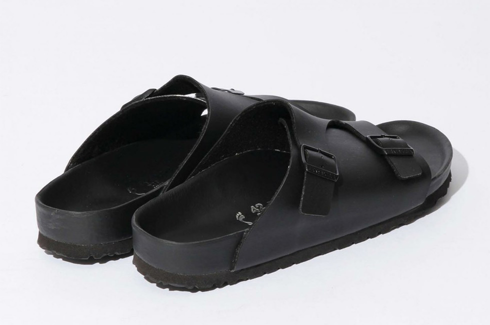 956038d11 birkenstock-x-beauty- -youth-zurich-black-sandals-4