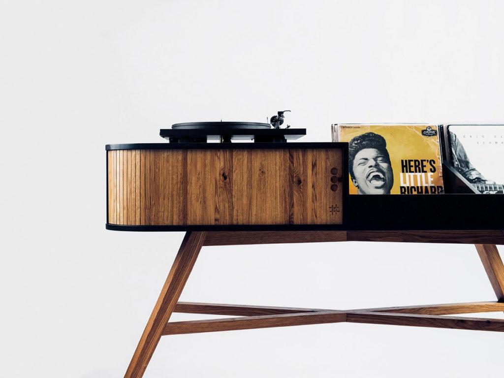 HRDL Vinyl Table