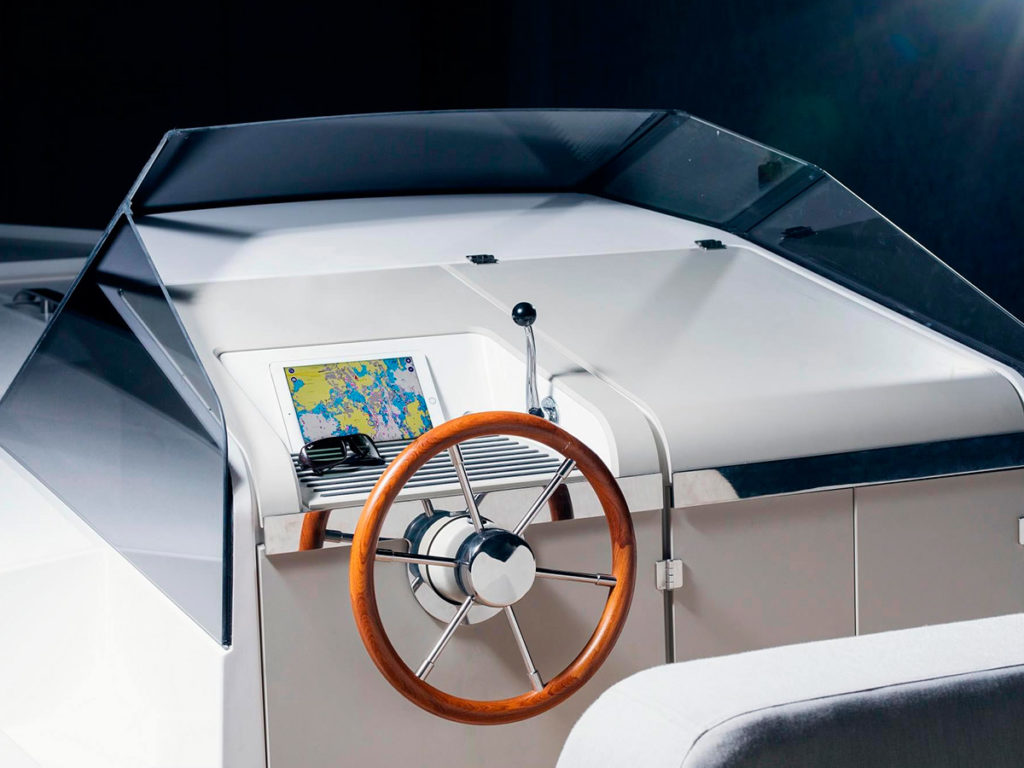 Q30 Electric Motorboat