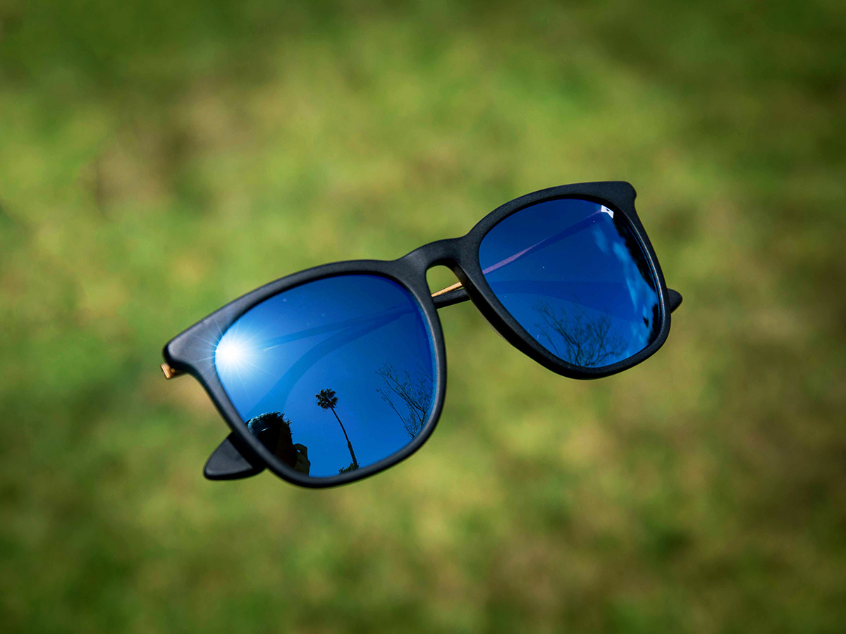 626baf741f William-Painter-Oasis-Aerospace-Grade-Titanium-Sunglasses-02