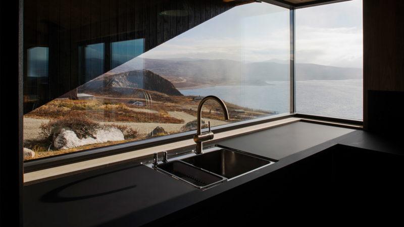 The Hooded Cabin by Arkitektværelset AS