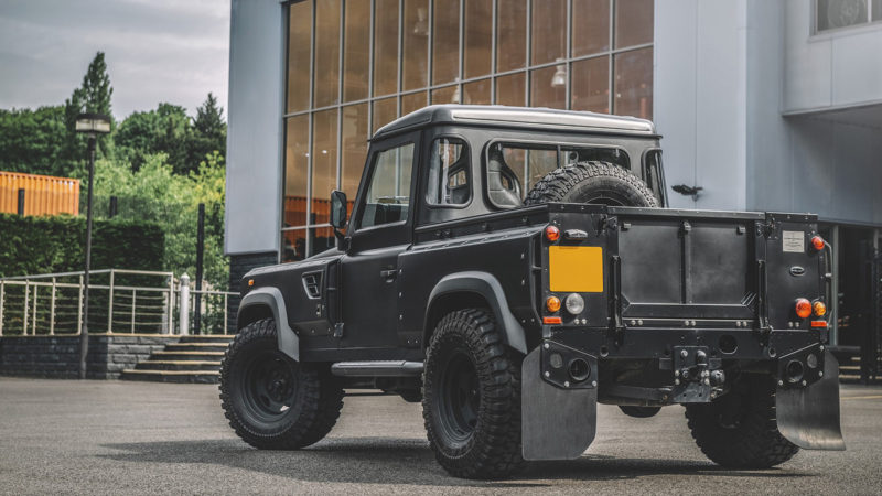 Kahn Design Land Rover Defender 90 Flying Huntsman 105 long Nose