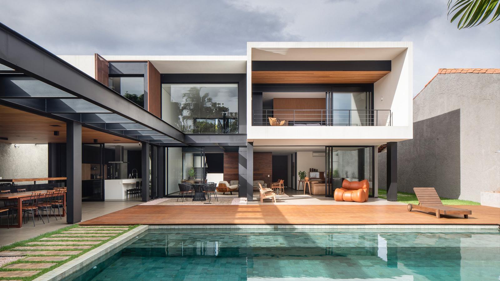 GA House by Esquadra Arquitetos