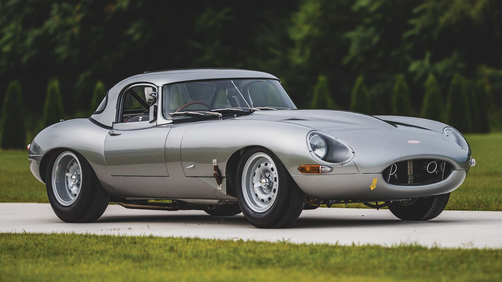 A Stunning 1963 Jaguar E-Type Lightweight Goes To Auction - IMBOLDN