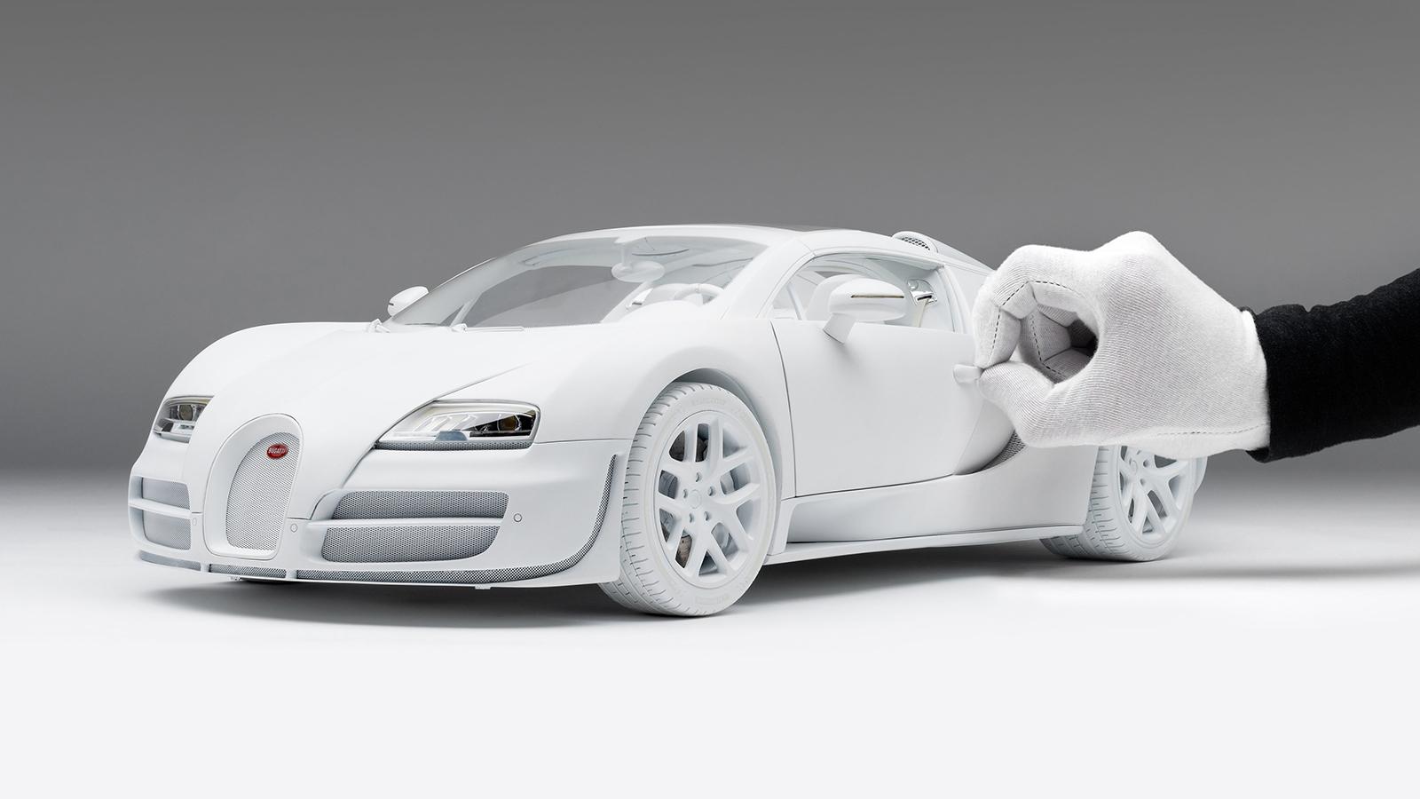 Bugatti Veyron 16.4 Grand Sport Vitesse White Edition 1:8 scale