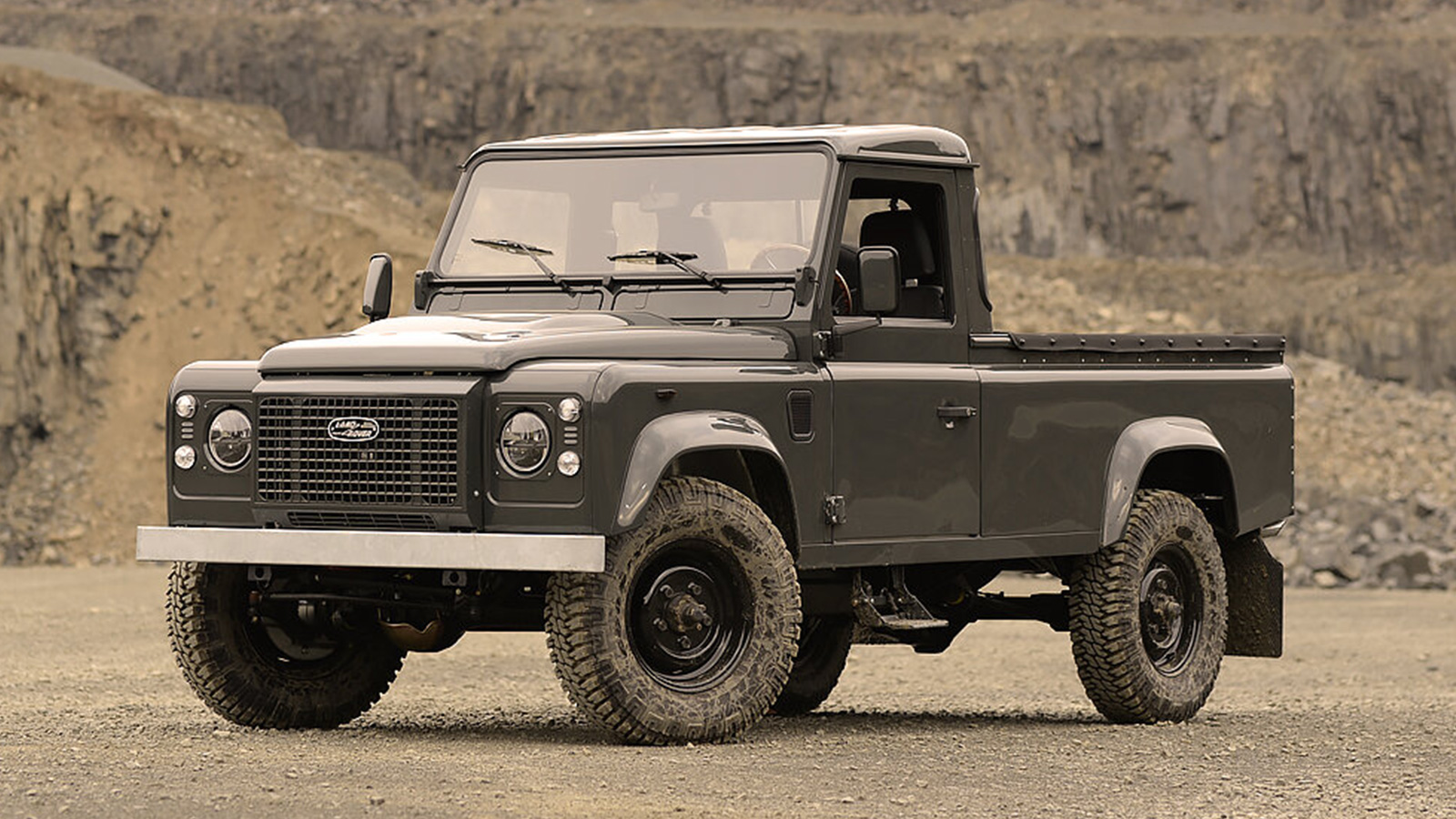Commonwealth Classics 1990 Land Rover Defender 110 - Georgetown