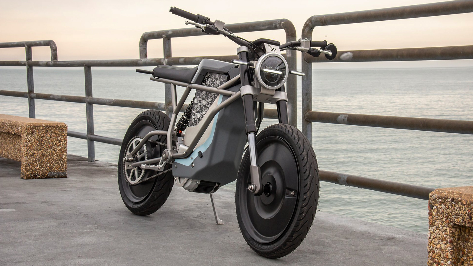 Cleveland Speedshop Falcon BLK Motorcycle