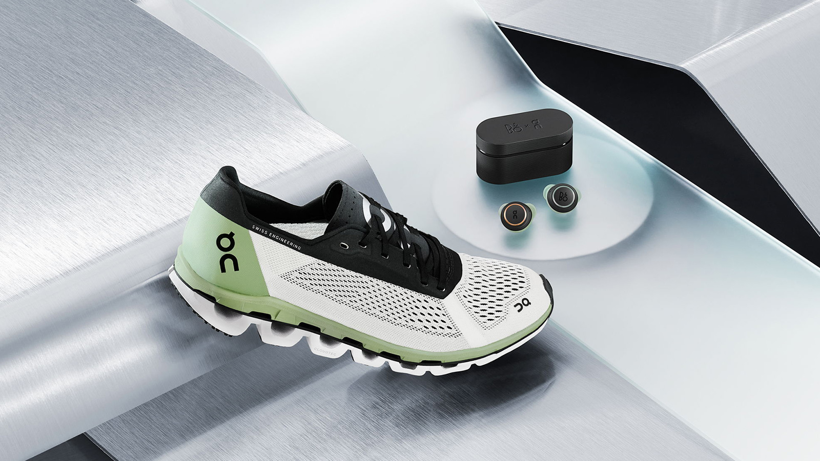 Bang & Olufsen x On Running Kit