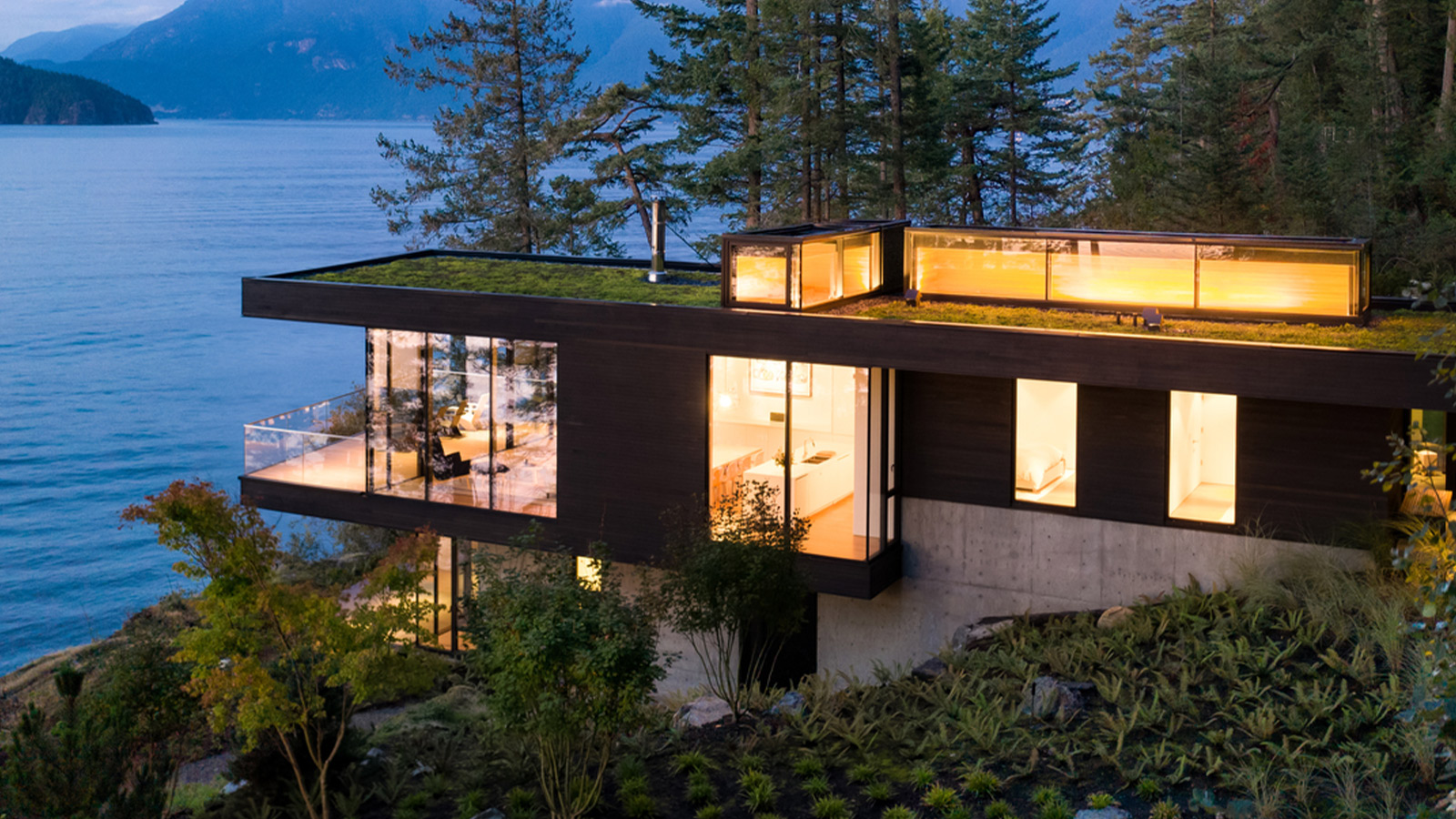 Bowen Island House by Office of Mcfarlane Biggar Architects + Designers Inc.
