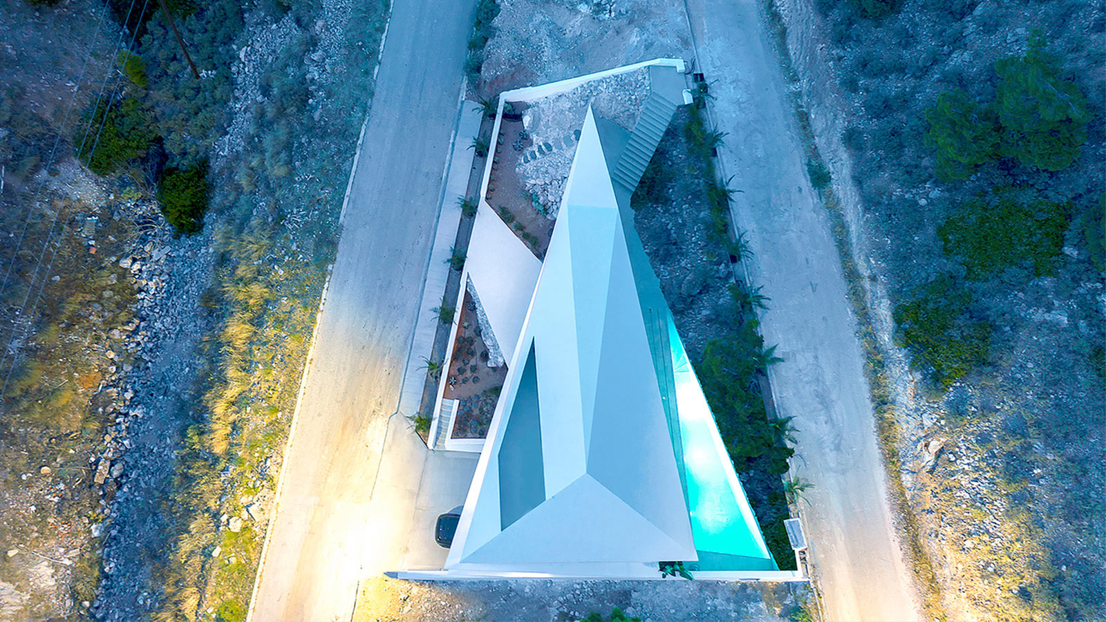 H77 The Diamond House by 314 Architecture Studio