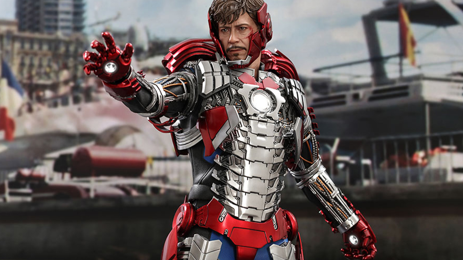 Hot-Toys-Tony-Stark-Mark-V-Suit-Up-Version-01