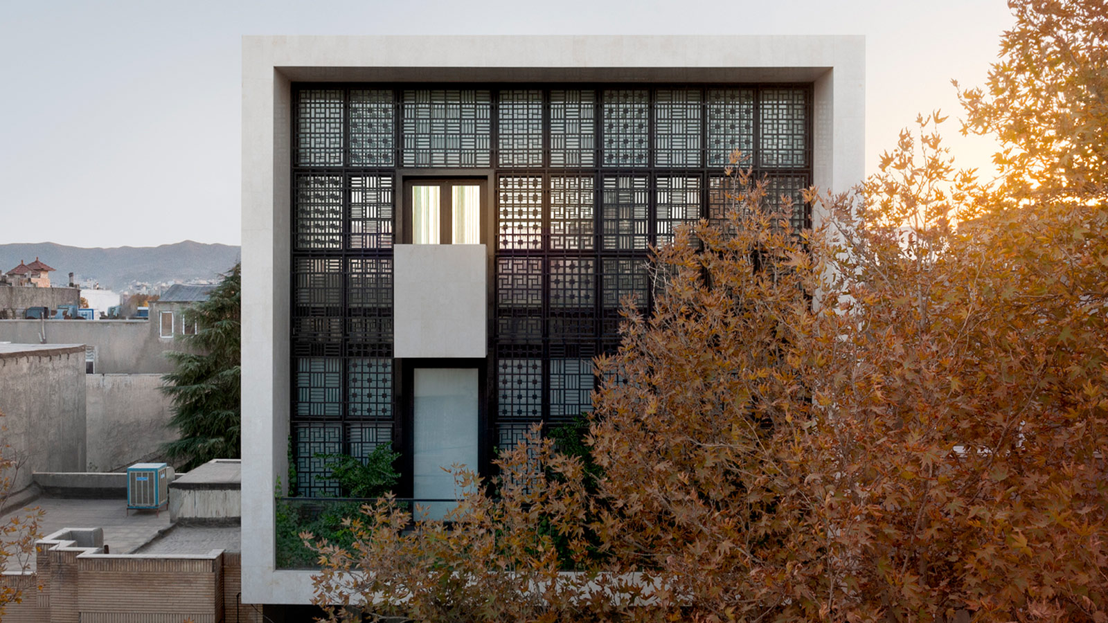 Window House by FARATARH Architectural Studio
