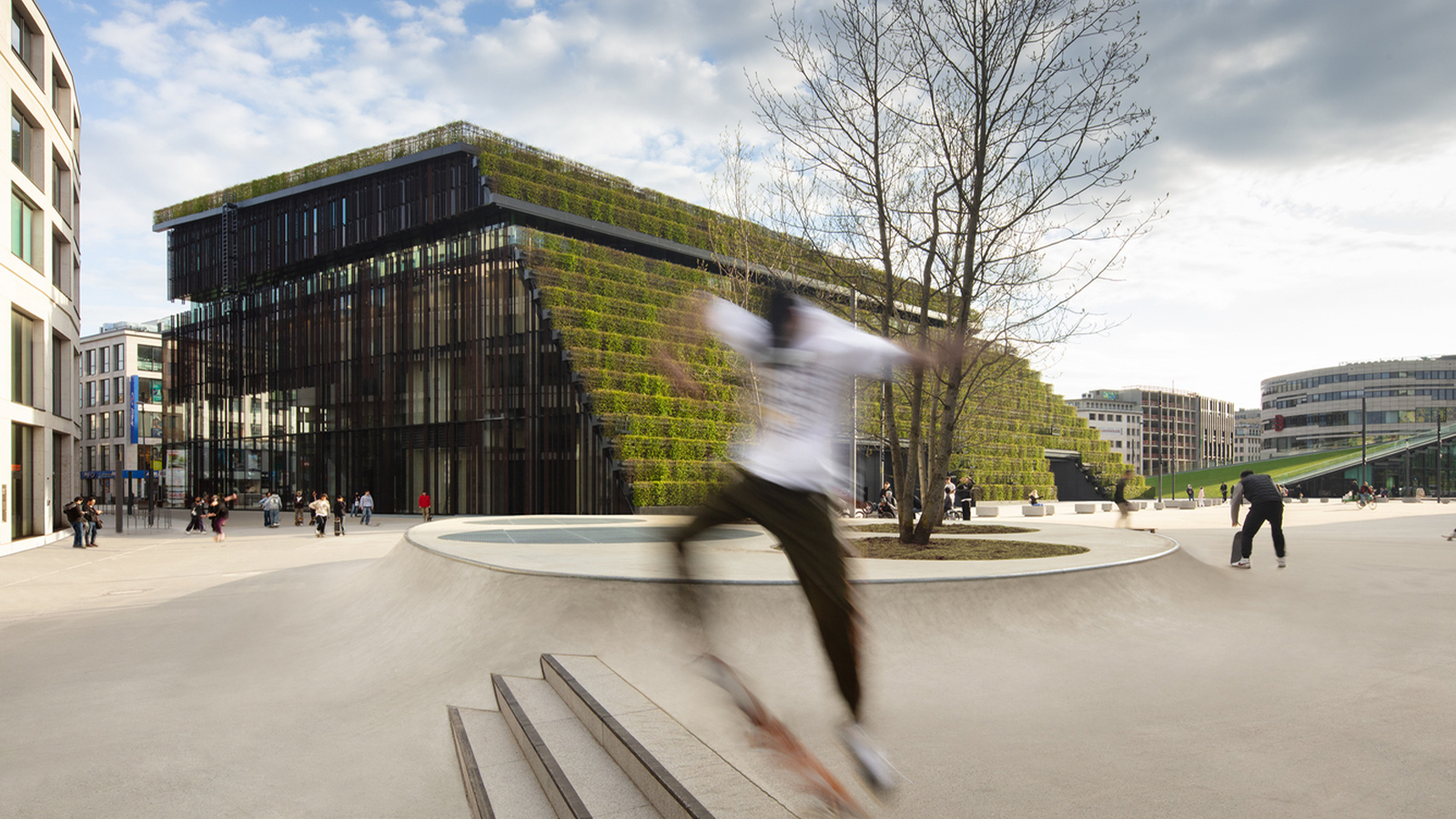 Kö-Bogen II Office Building by ingenhoven architects